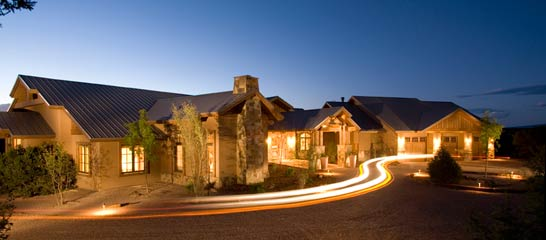 HUNTER, CAMINO VILLENOS, LAS CAMPANAS, EXTERIOR NIGHT