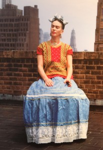 NICKOLAS MURAY, FRIDA KAHLO (SITTING ON ROOF HOLDING CIGARETTE), 1946, #12:30