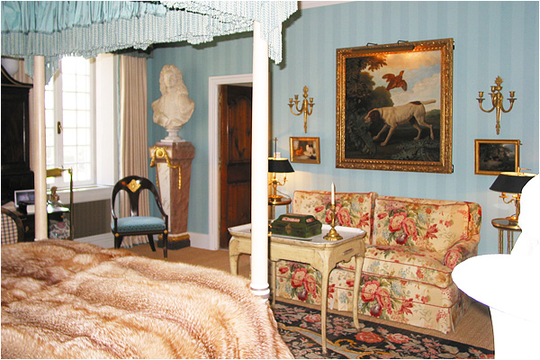 domaine-mirmande-bedroom3