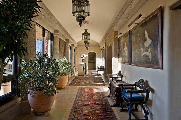 MacArthur - Hallway