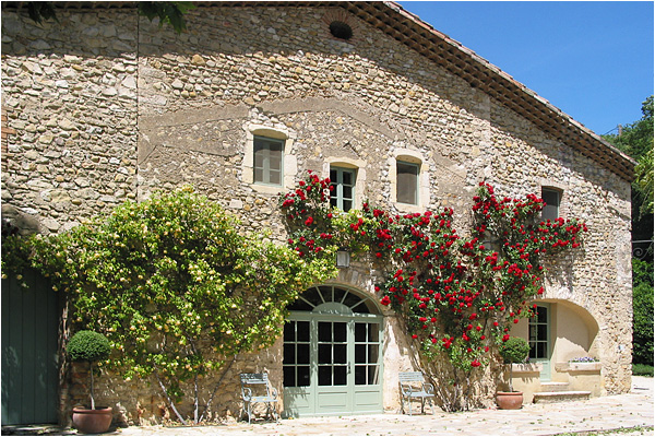 domaine-mirmande-farmhouse