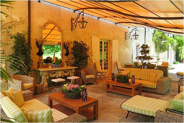 domaine-mirmande-terrace